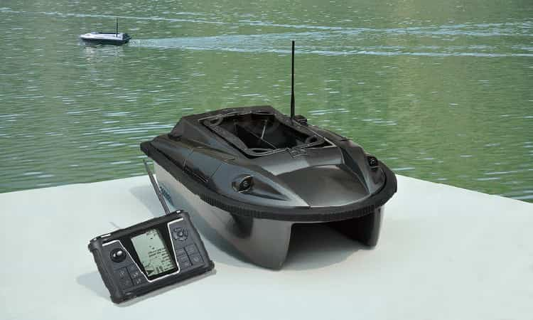 boats with echo sounder