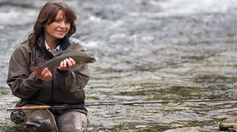 Whether to take women for fishing?