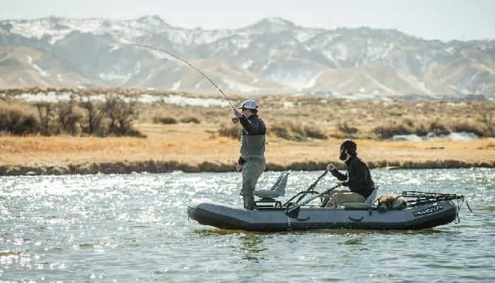 pêche à la mouche depuis le bateau